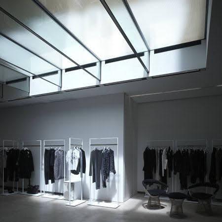 giá treo quần áo shop