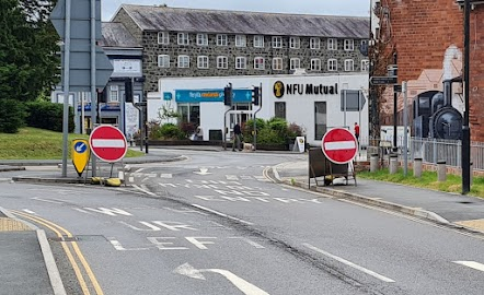 """Councillors object to removal of """"No Entry"""" signs plan"""