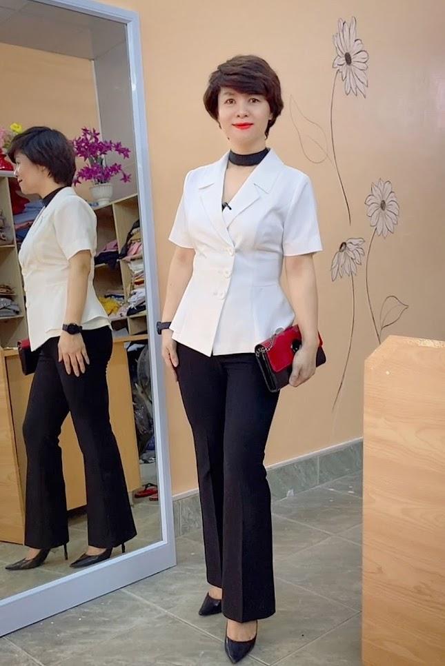 áo peplum che bụng phối đồ công sở quần ống vẩy mặc đẹp thời trang thủy sài gòn