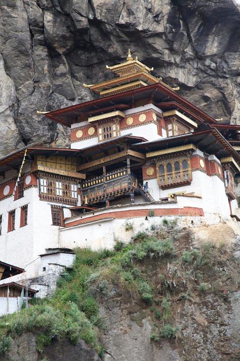 Ninho do Tigre, o monastério no penhasco