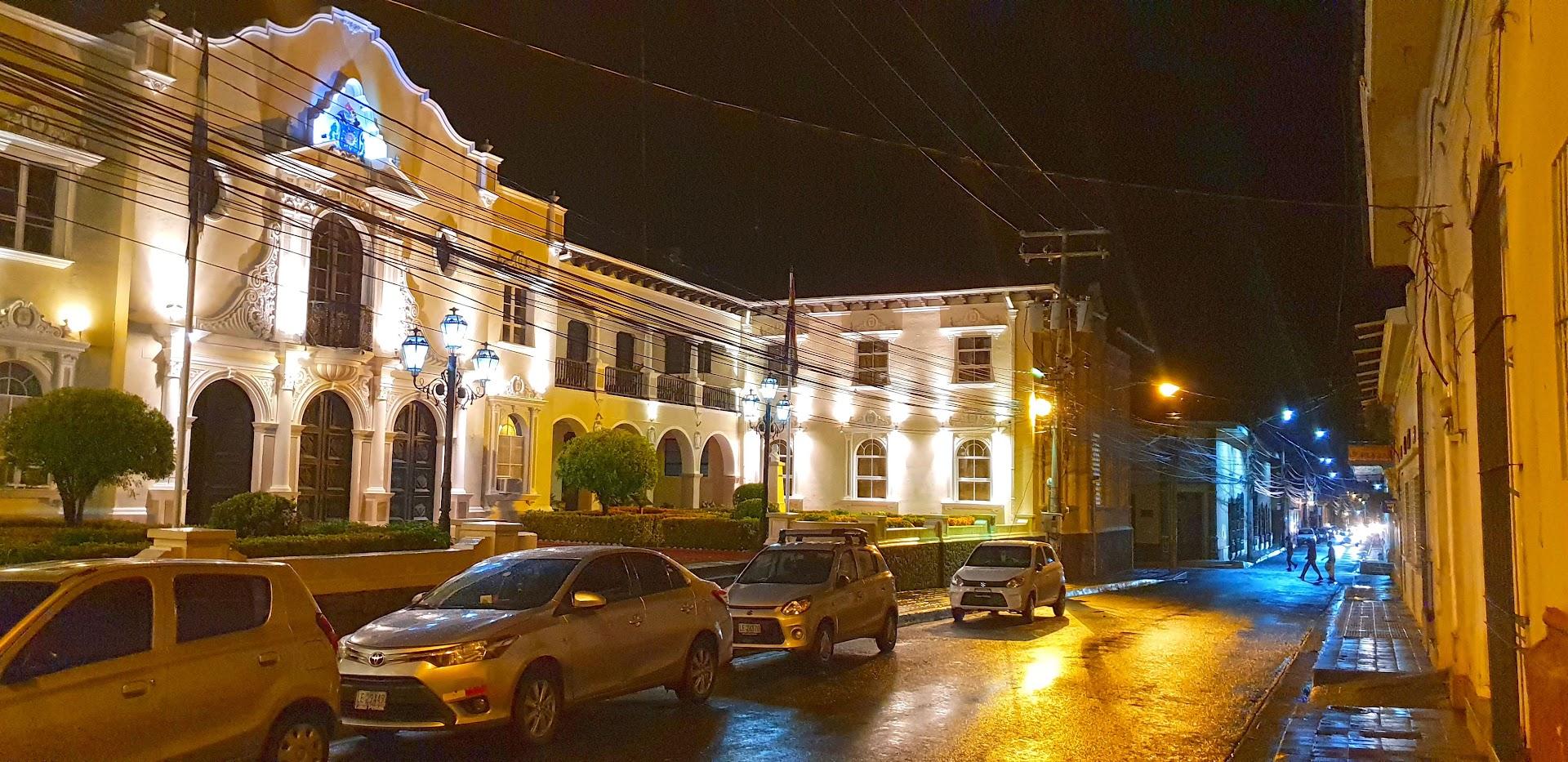 LEÓN - NICARÁGUA | O que ver e fazer quando visitar a cidade mais bela do país