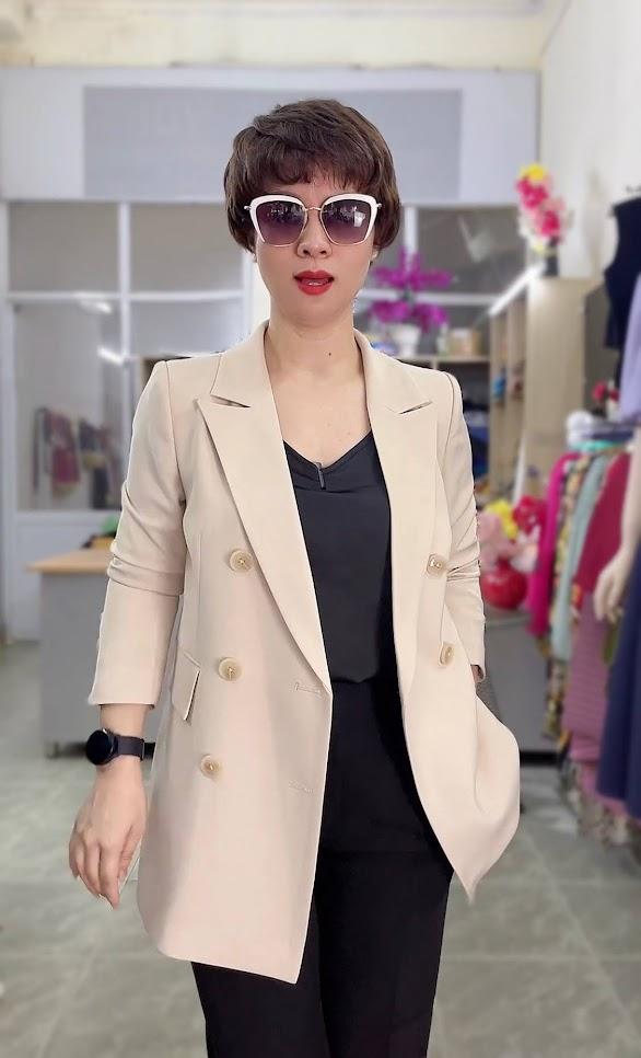 áo vest nữ dáng dài màu be mặc đẹp thời trang thủy hải phòng 2