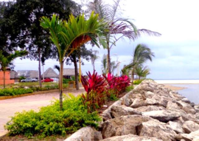 Manglaralto entre el Mar y Estero Hotel Chacon Manglaralto Provincia de Santa Elena Ecuador
