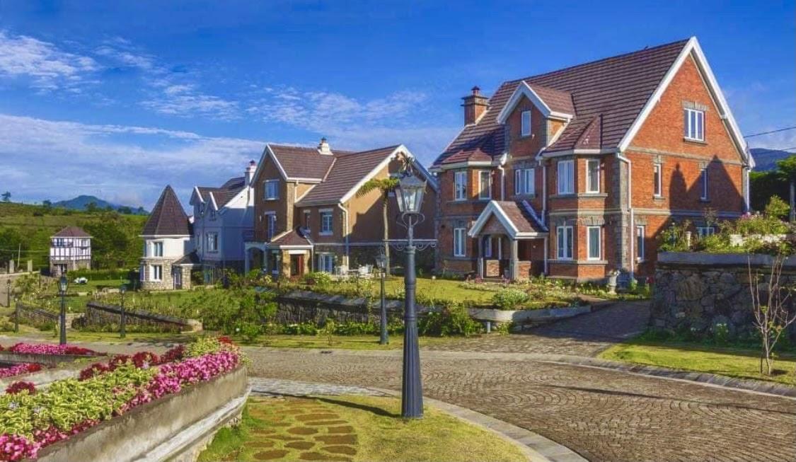 Little England Cottages