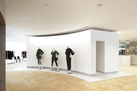 trưng bày thời trang
