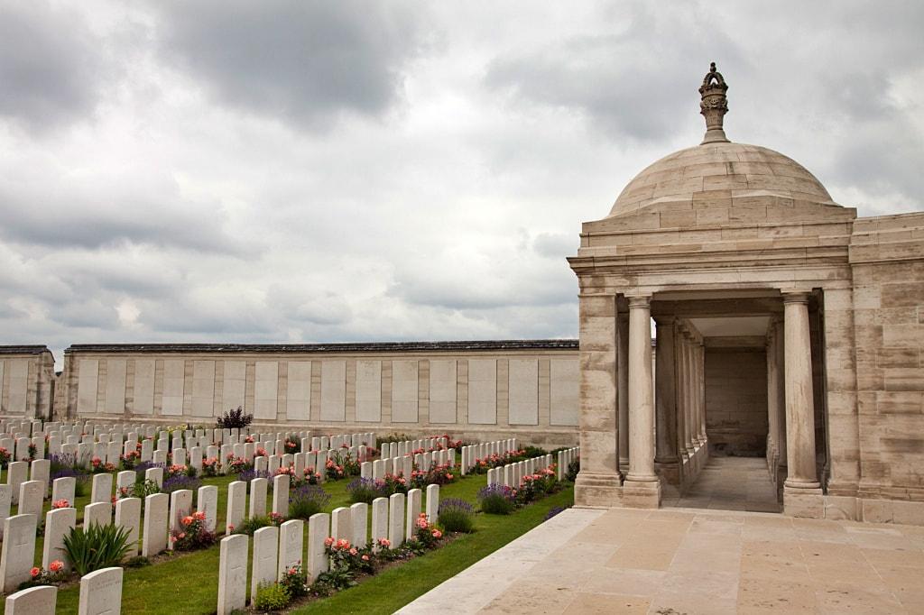 Thomas C Robertson grave