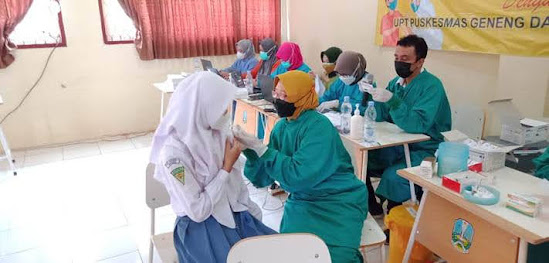 Vaksinasi Pelajar Di Ngawi