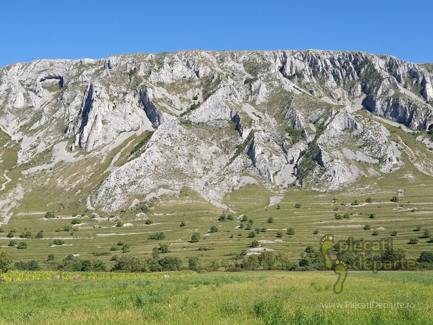 Coltii Trascaului privire dintre satul Rimetea si satul Coltesti. obiective turistice cluj, imprejurimi cluj, obiective cluj, obiective judetul cluj, atractii cluj, obiective cluj napoca, atractii cluj napoca