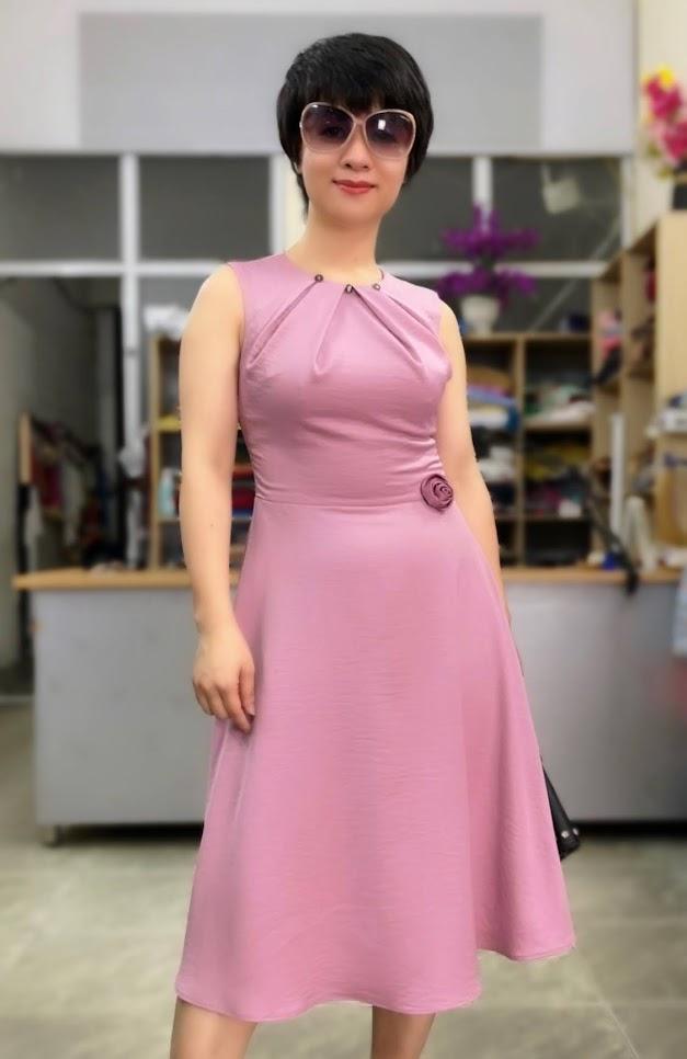 váy xòe vải lụa mặc đẹp thời trang thủy hà nội