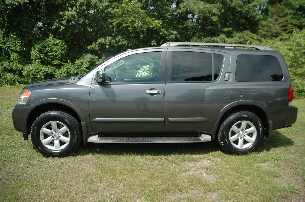2010 Nissan Armada SE Gray