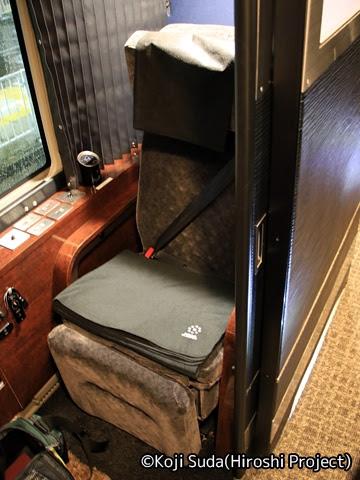 関東バス「ドリームスリーパー東京大阪号」 ・・・1 シート