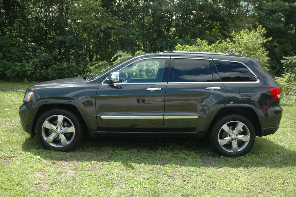 2011 Jeep Grand Cherokee Limited HEMI Gray