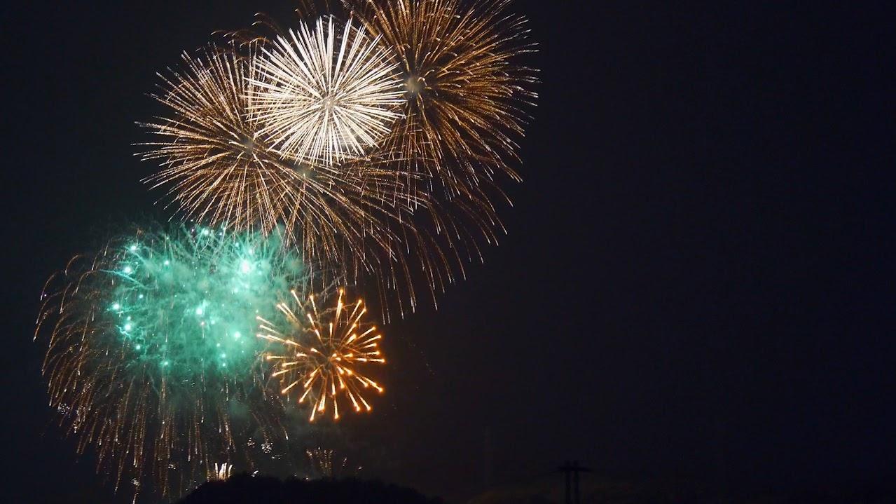 ベランダから撮った花火