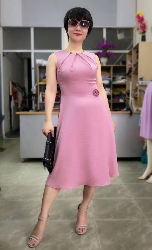 váy xòe vải lụa mặc đẹp thời trang thủy quảng ninh