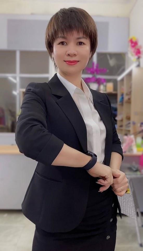 áo vest nữ 1 lớp chân váy bút chì công sở mặc đẹp thời trang thủy quảng ninh