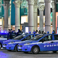 Polizia presidia piazza Duomo, Milano di