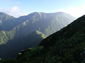 ここに来て蓮華岳が見える