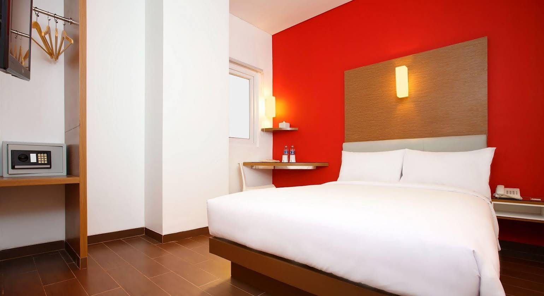 Amaris Hotel Season City