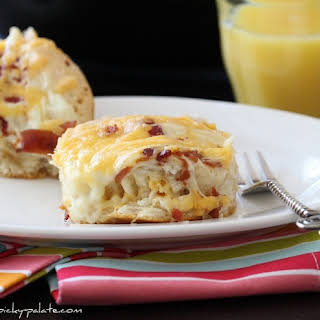 """""""Easy"""" Cheesy Bacon Biscuit Pull-Aparts."""