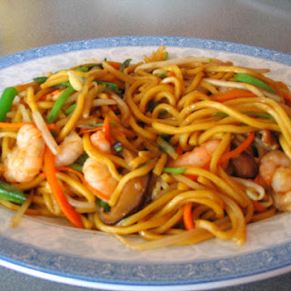 Awesome Shrimp and Vegetable Lo Mein
