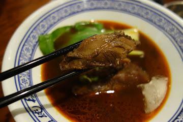 段純貞牛肉麵 台南小西門店