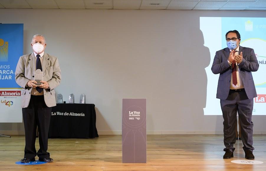 Juan Segura Morales, presidente de Coprohnijar, recoge el Premio Empresa.