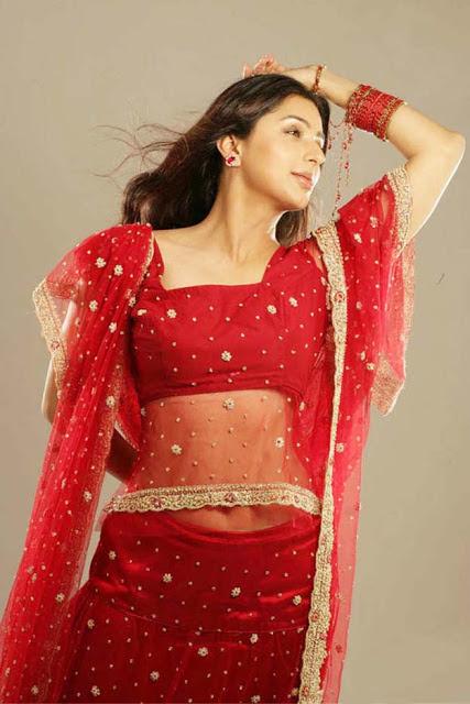 Bhumika Chawla navel, Bhumika Chawla in red, Bhumika Chawla hottest