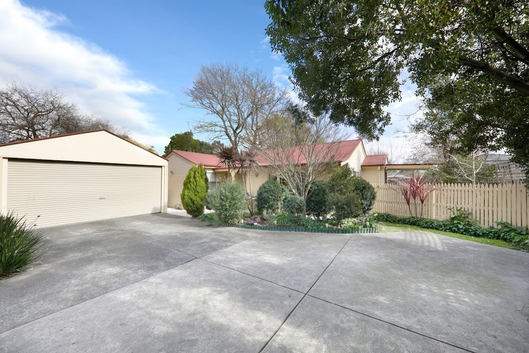Main photo of property at 2/67 Forest Road, Ferntree Gully 3156