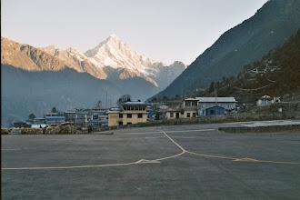 Photo: Ankunft auf dem Flughafen in Lukla