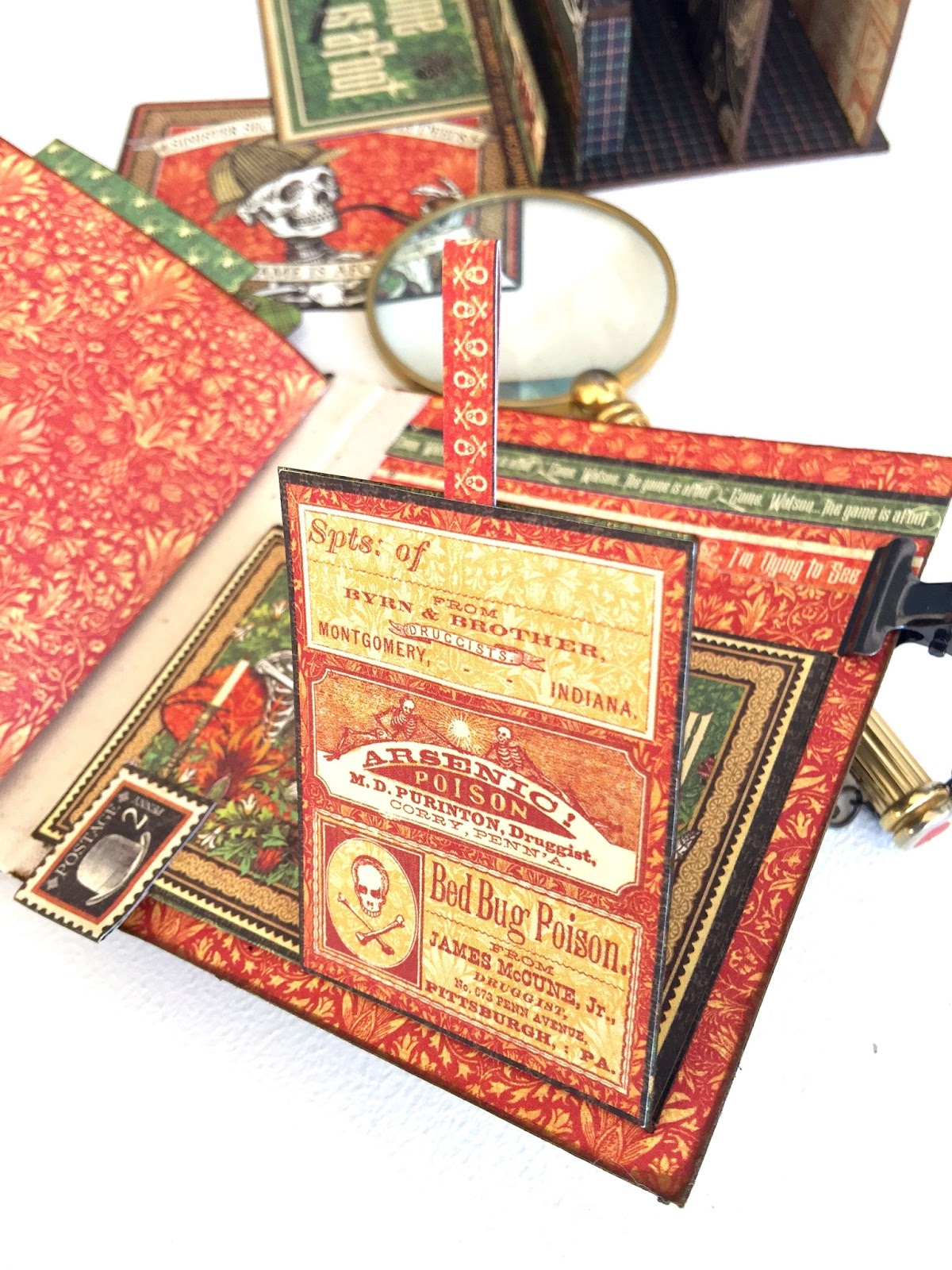 Stand and Mini Album Master Detective by Marina Blaukitchen Product by Graphic 45 photo 26.jpg
