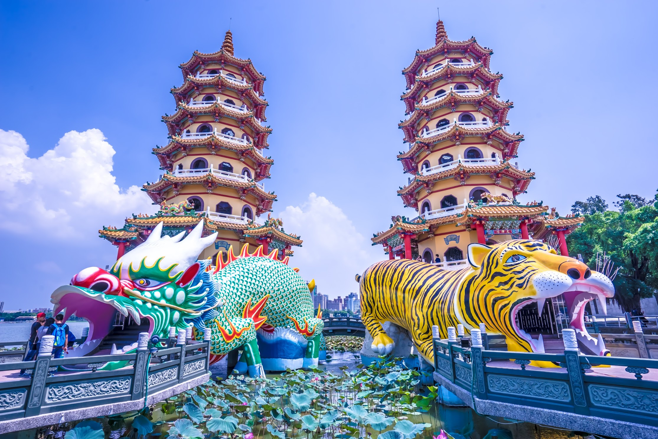 Kaohsiung Lotus Pond Dragon and Tiger Pagodas2