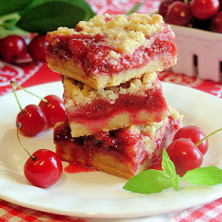 Cherry Pie Crumble Bars {gluten free option}