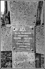 Photo: Napis na krzyżu księdza Jana Miksiewicza.