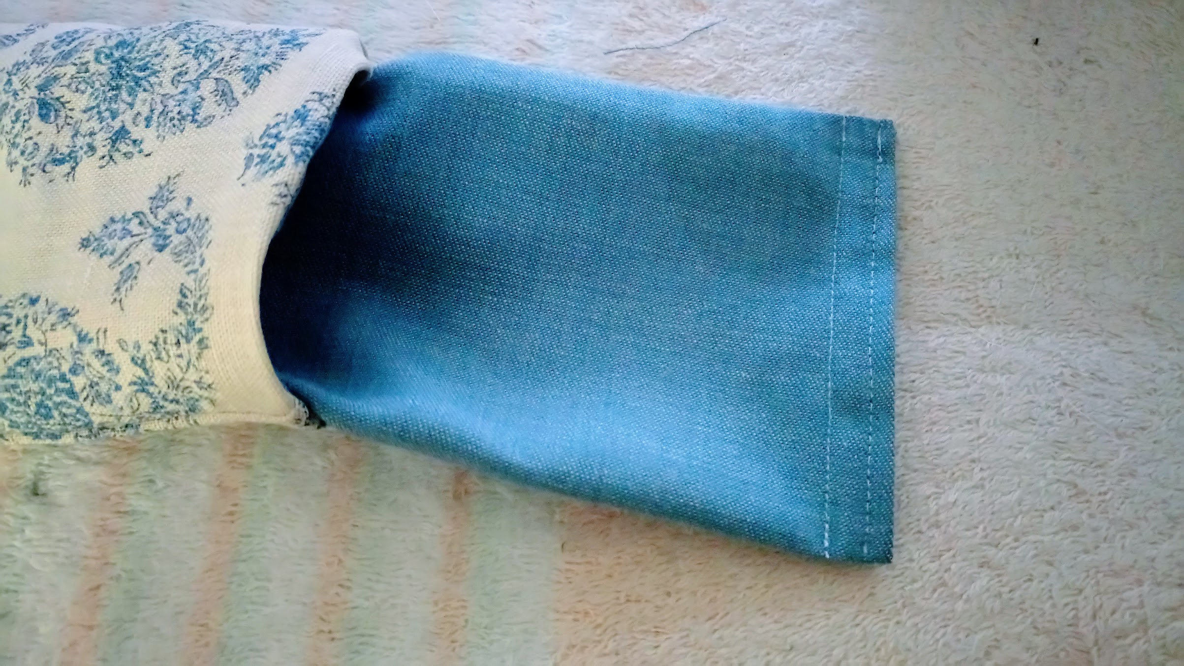 In-Progress: DIY Sleep Eye Mask Bags from Fabric Remnants - DIY Tips | fafafoom.com