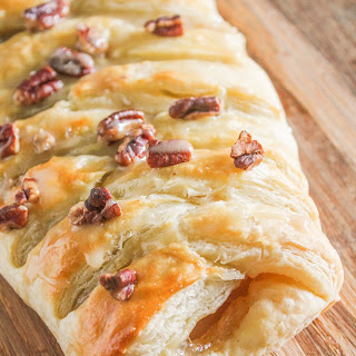 Cran-Apple Crisp Pastry Braid