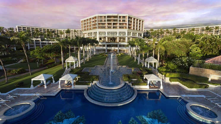 If You Want Luxury At A Hilton Property In Hawaii Can T Go Wrong With The Grand Wailea Hotel Is Set On 40 Acres Of Tropical Gardens Just Off