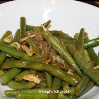Green Beans with Garlic Chips