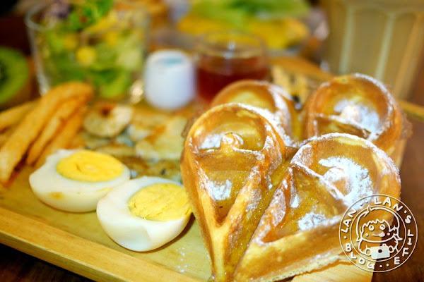 江子翠早午餐 【奈野早午餐NaiYe Brunch】鳥巢空間超特別 鬆餅早午餐200有找