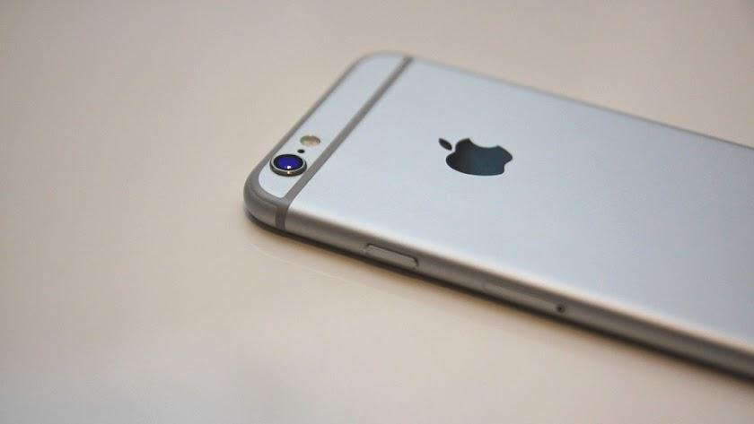 El último modelo de iPhone sale a la venta por 1.329 euros