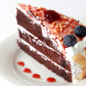 Blueberries Chocolate Vegan Cake by ChenLin Kng - Food & Drink Cooking & Baking ( vegan, cake, chocolate, blueberry, bake )