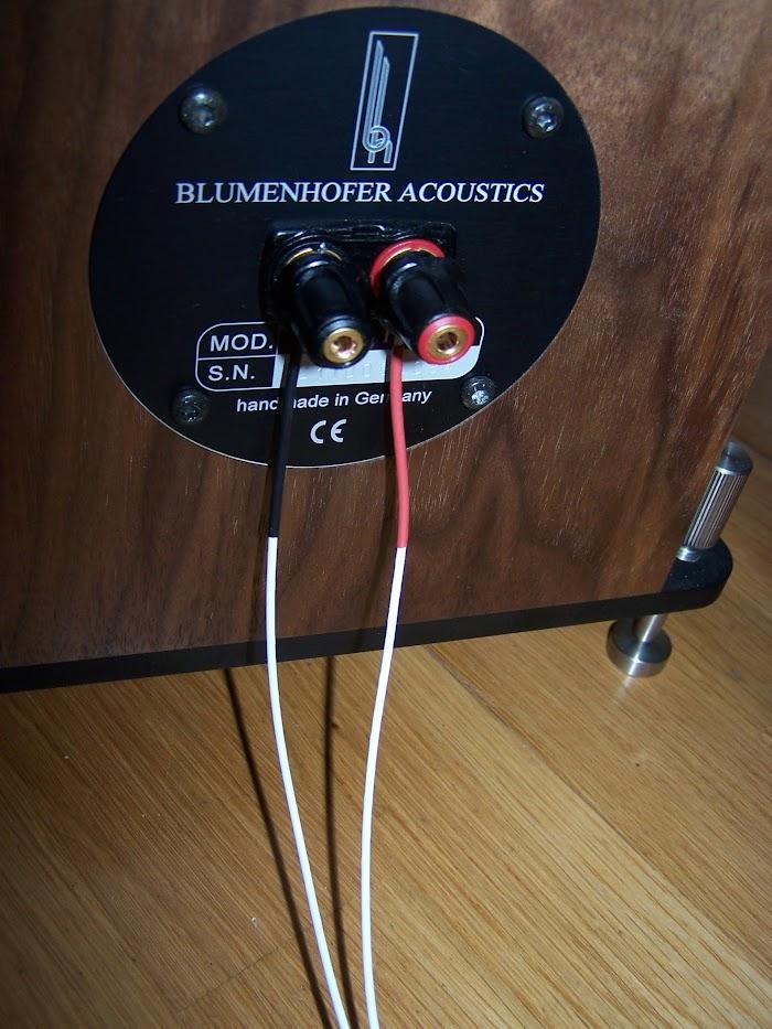 Van Damme Blue Series Studio Grade 2 x 4mm 2 Core PymFvbIrH8Tj6Pyzp_XrF74-0g_jA7qPrb-3AXdiDXA=w700-h933-no