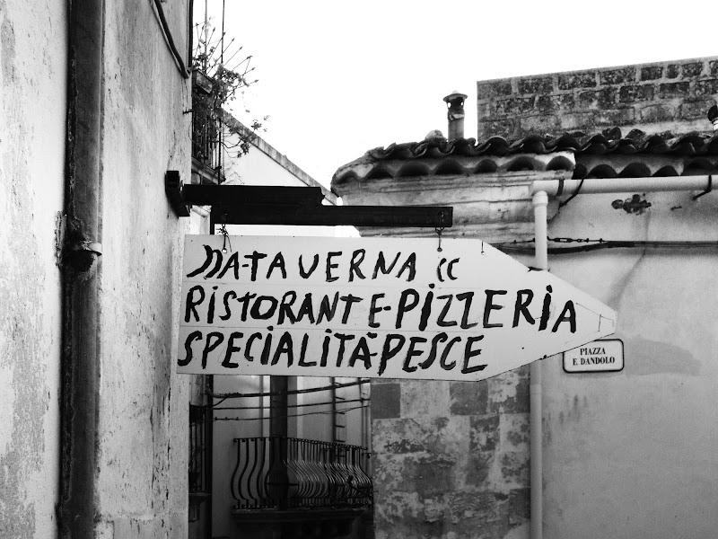 insegna_Modica_Sicilia di arch. marco stacchini