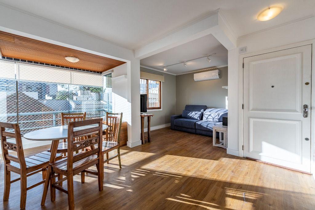 Apartamento Mobiliado 03 dormitórios com 01 vaga no Petrópolis