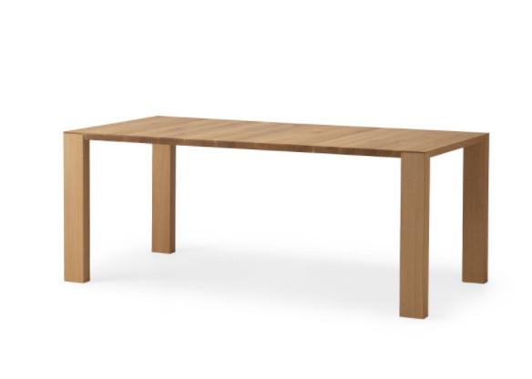 ① アメリカ・ヨーロッパにも展開している、カンディハウスのリビングテーブル
