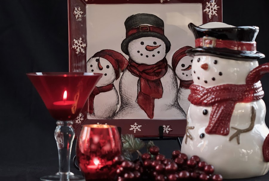 Adorable Snowmen by Sherry Hallemeier - Public Holidays Christmas ( snowman, snowmen, happy, black, vase, cheerful, berries, holiday, christmas, red, public, white, martini glass, pitcher, candle holders, fun )