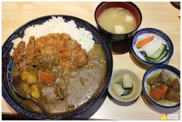 豚勝皆川-完整菜單 特約停車 居酒屋 聚餐 生魚片熱門的咖哩豬排及各式日本料理專賣店