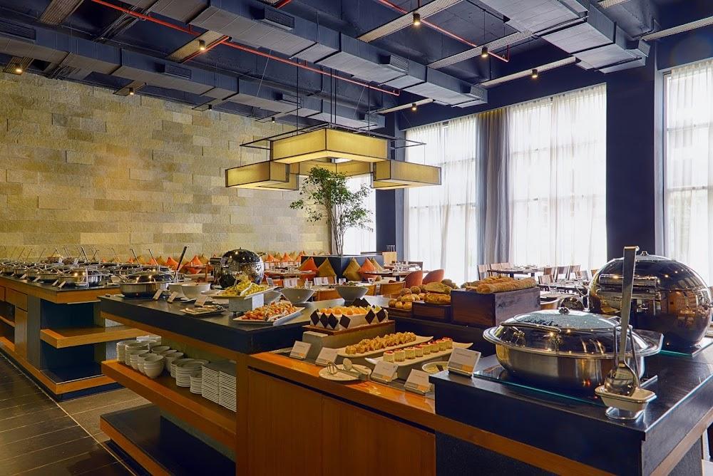 best-buffet-hyderabad-jonathans-kitchen_image
