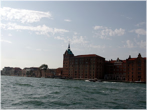 Photo: Isla de Guideca desde el vaporetto. Venecia http://www.viajesenfamilia.it