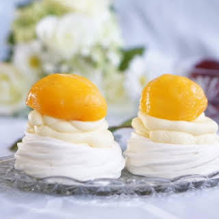 Healthy Non-Fat Mini Peach Pavlovas.
