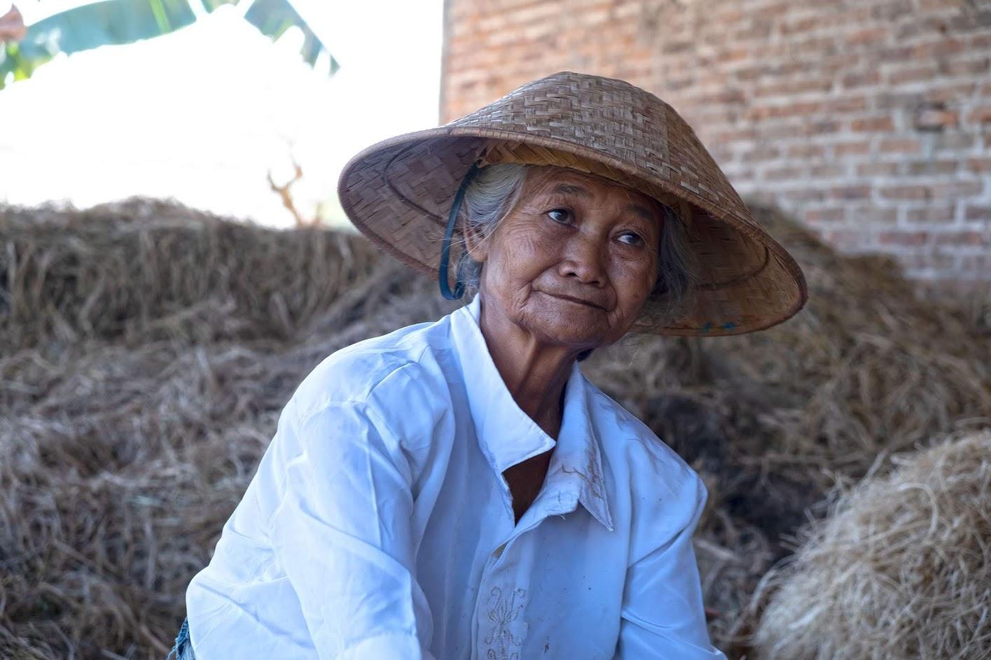 Dia 26 - Os rostos das aldeias de Borobudur   Volta ao Mundo